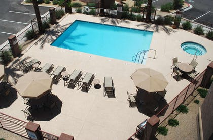 Pool | Hampton Inn & Suites Phoenix/Gilbert