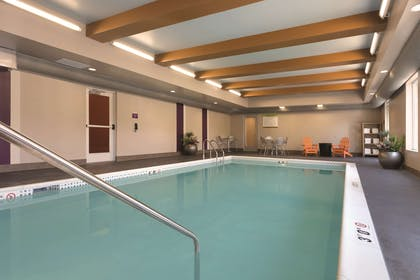 Pool | Home2 Suites by Hilton Pittsburgh Cranberry, PA