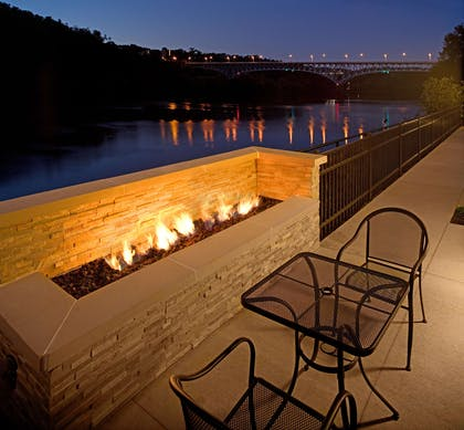 Exterior | Hampton Inn & Suites Pittsburgh/Waterfront-West Homestead