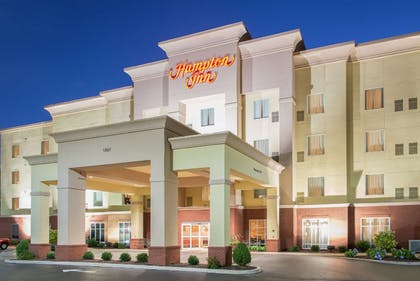Exterior | Hampton Inn Kingston