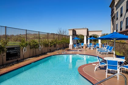 Pool | Hampton Inn & Suites Paso Robles