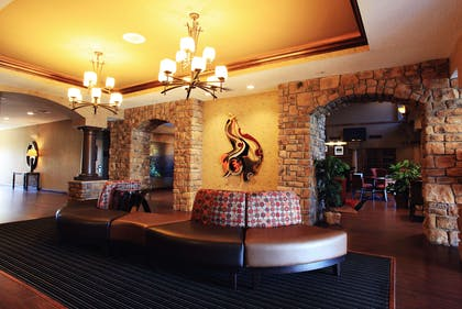 Reception | Hampton Inn & Suites Paso Robles