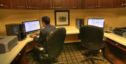 Business Center | Hampton Inn and Suites Parsippany/North