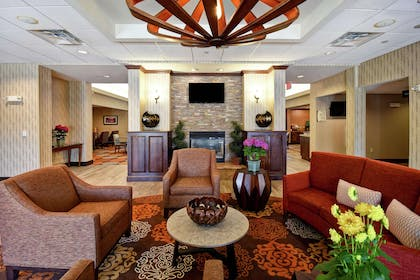 Lobby | Homewood Suites by Hilton Dover
