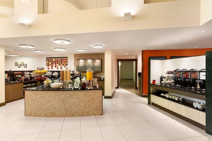 Restaurant | Homewood Suites by Hilton Reading