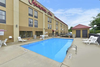 Pool | Hampton Inn Raleigh/Clayton I-40