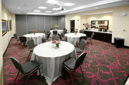 Meeting Room | Hampton Inn & Suites Raleigh Downtown