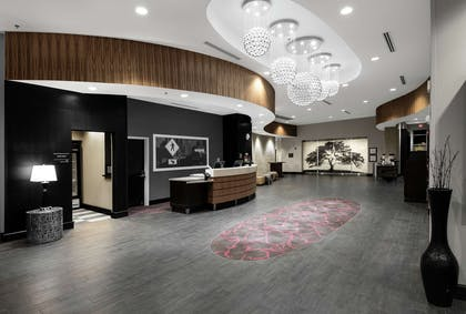 Lobby | Hampton Inn & Suites Raleigh Downtown