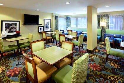 Restaurant | Hampton Inn Raleigh/Town Of Wake Forest