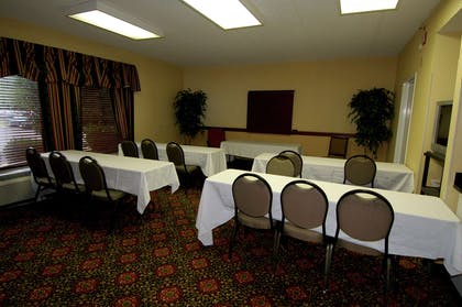 Meeting Room | Hampton Inn Raleigh/Town Of Wake Forest