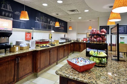 Breakfast Area | Hampton Inn Raleigh/Town Of Wake Forest