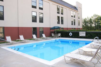 Pool | Hampton Inn Raleigh/Town Of Wake Forest