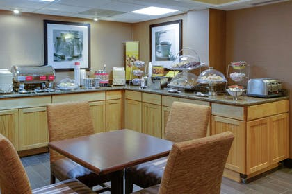 Restaurant | Hampton Inn Richmond-Chester