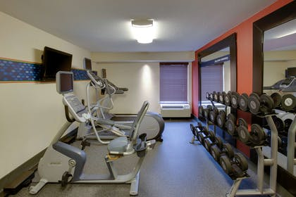 Health club | Hampton Inn Richmond-Chester