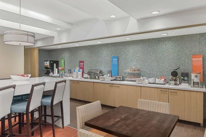 Restaurant | Hampton Inn Richmond-SW Hull Street
