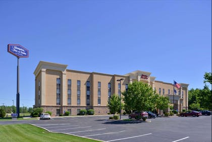 Exterior | Hampton Inn & Suites Richmond