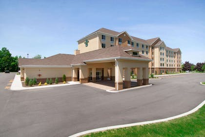 Exterior | Homewood Suites by Hilton Rochester/Greece, NY