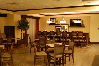 Restaurant | Hampton Inn Geneseo