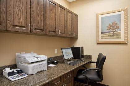 Business Center | Homewood Suites by Hilton Rochester - Victor