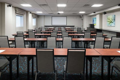 Meeting Room | Hampton Inn & Suites Rochester-North