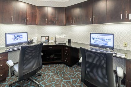 Business Center | Hampton Inn & Suites Rochester-North