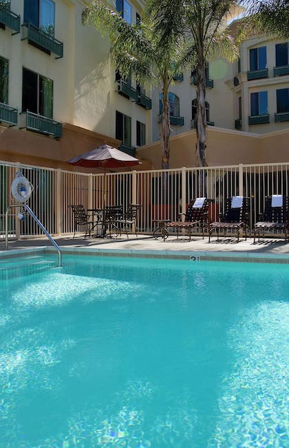Pool | Hampton Inn San Diego/Del Mar