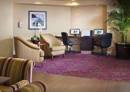 Business Center | Hampton Inn San Diego/Del Mar