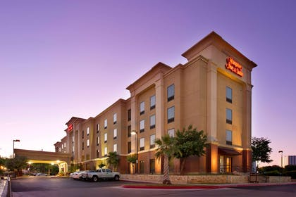Exterior | Hampton Inn & Suites San Antonio Airport