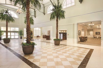 Reception | Embassy Suites by Hilton Hotel Savannah
