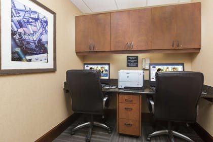 Business Center | Hampton Inn & Suites Lodi