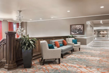 BarLounge | President Abraham Lincoln Springfield - a DoubleTree by Hilton Hotel