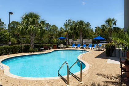Pool | Hampton Inn Titusville/I-95 Kennedy Space Center