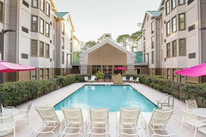 Pool | Hampton Inn and Suites Tampa North