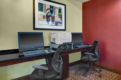 Business Center | Hampton Inn & Suites Tampa/Ybor City/Downtown