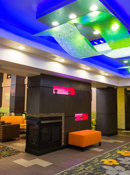 Reception | Hampton Inn & Suites Tulsa Central