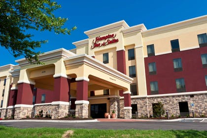 Exterior | Hampton Inn & Suites Tulsa Central