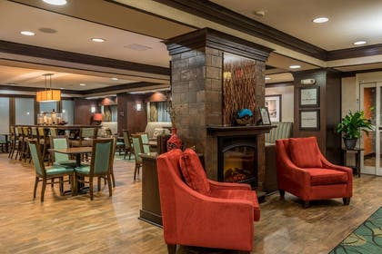 Lobby | Hampton Inn New Albany Mississippi