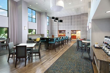 Lobby | Hampton Inn & Suites Tucson East/Williams Center