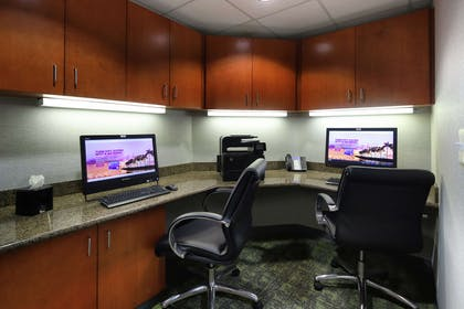 Business Center | Hampton Inn & Suites Tucson East/Williams Center