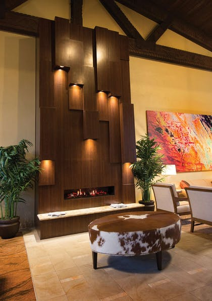 Lobby | DoubleTree Suites by Hilton Hotel Tucson - Williams Center