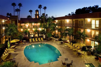 Pool | DoubleTree Suites by Hilton Hotel Tucson - Williams Center