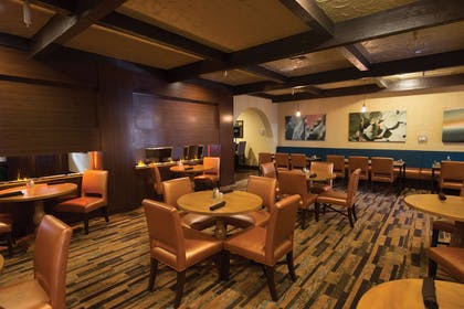 Breakfast Area | DoubleTree Suites by Hilton Hotel Tucson - Williams Center
