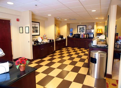 Restaurant | Hampton Inn & Suites-Knoxville/North I-75