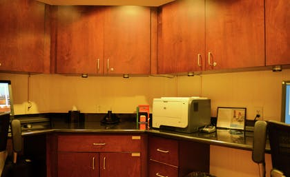 Business Center | Hampton Inn & Suites-Knoxville/North I-75