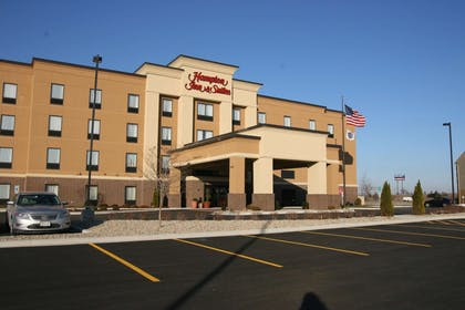 Exterior | Hampton Inn and Suites Peru