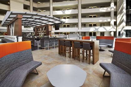 BarLounge | Embassy Suites by Hilton Washington D.C. at the Chevy Chase Pavilion