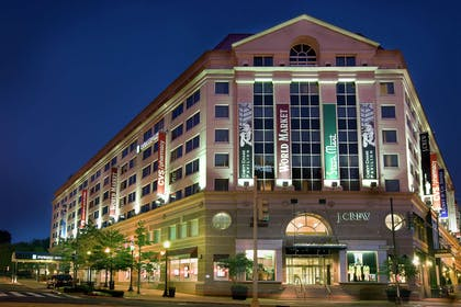 Exterior   Embassy Suites by Hilton Washington D.C. at the Chevy Chase Pavilion