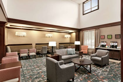 Lobby | Hampton Inn & Suites Washington-Dulles Int'l Airport