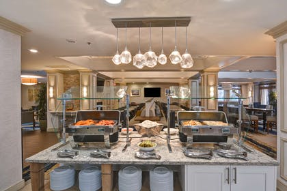 Restaurant | Homewood Suites by Hilton Hartford/Windsor Locks