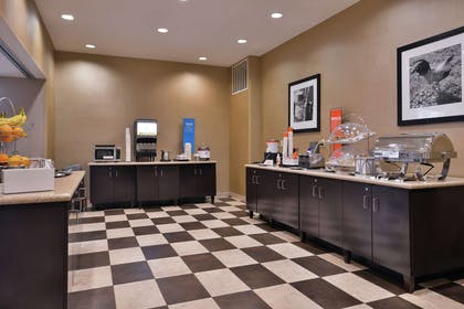 Restaurant | Hampton Inn & Suites Woodward